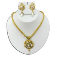 Pearl & gold plated necklace P3