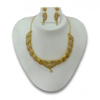 Pearl & gold plated necklace P4